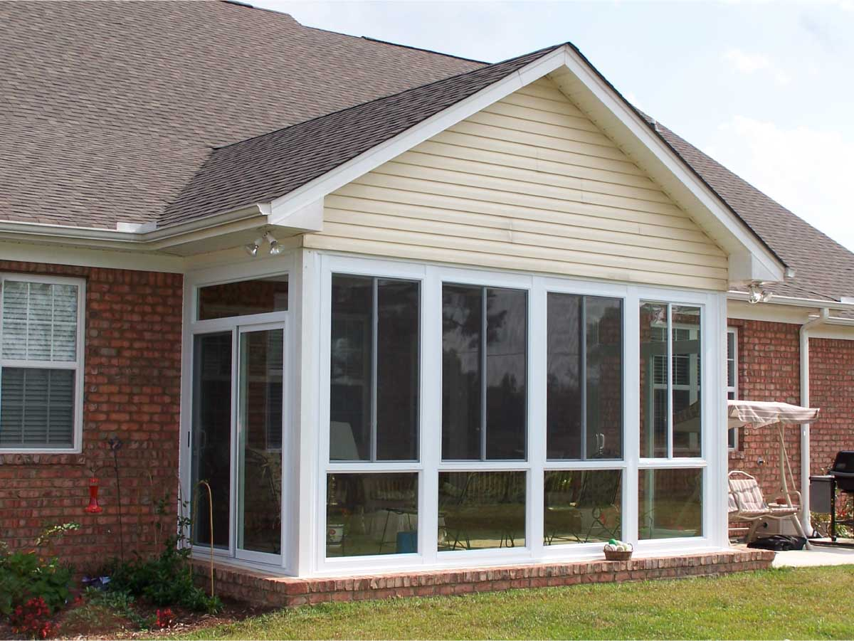 Traditional Michigan Sunroom